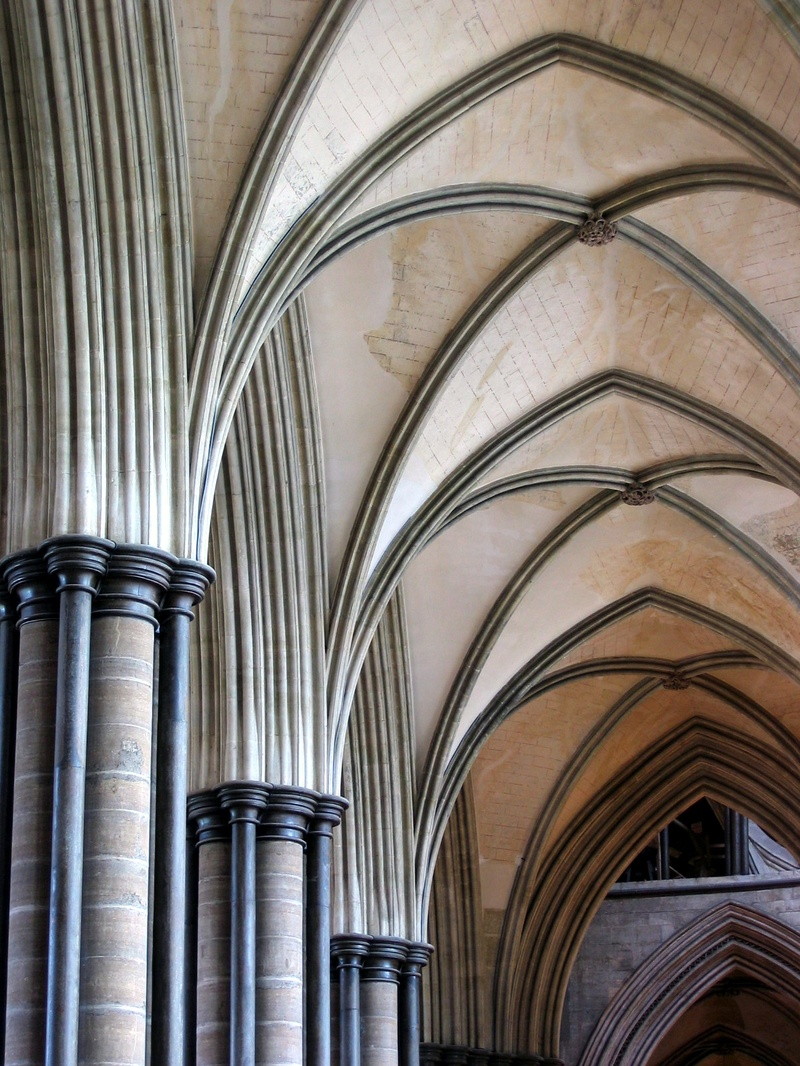 Salisbury_Chathedral_Detail_Gothic_Arches